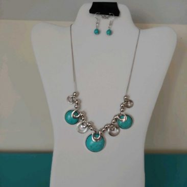 Fiesta Jewelry Booktique turquoise stones links necklace women