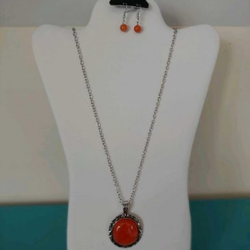 Fiesta Jewelry Booktique single terracota stone necklace women