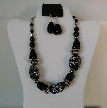 Fiesta Jewelry Booktique black beads speckles of silver necklace earrings women